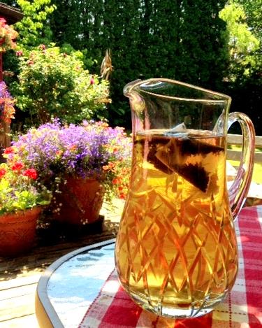 tea shot outdoors (1)